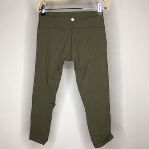 Lululemon crops olive green army green size 6